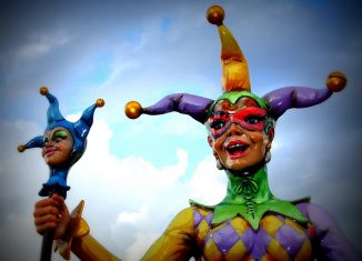 Fou du roi déguisé pour carnaval de Nouevlles Orleans