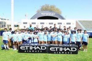 Le footballeur Patrick Viera devient le nouvel ambassadeur d'Ethiad Airways