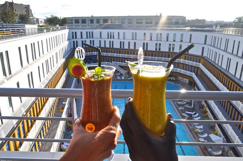 The 9 best rooftop bars in paris opodo travel blog for Piscine molitor