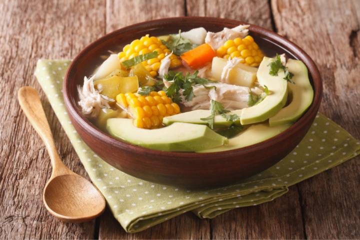 Ajiaco plat typique de Colombie