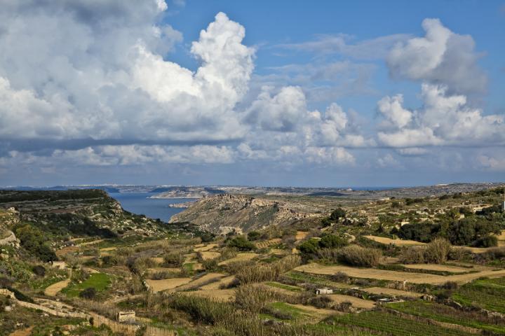Randonnée dans le centre de l'île de Malte
