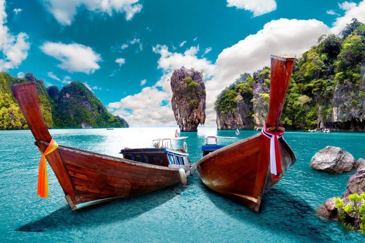 Deux-Bateaux-traditionnels-Capa-marina-de-Phuket